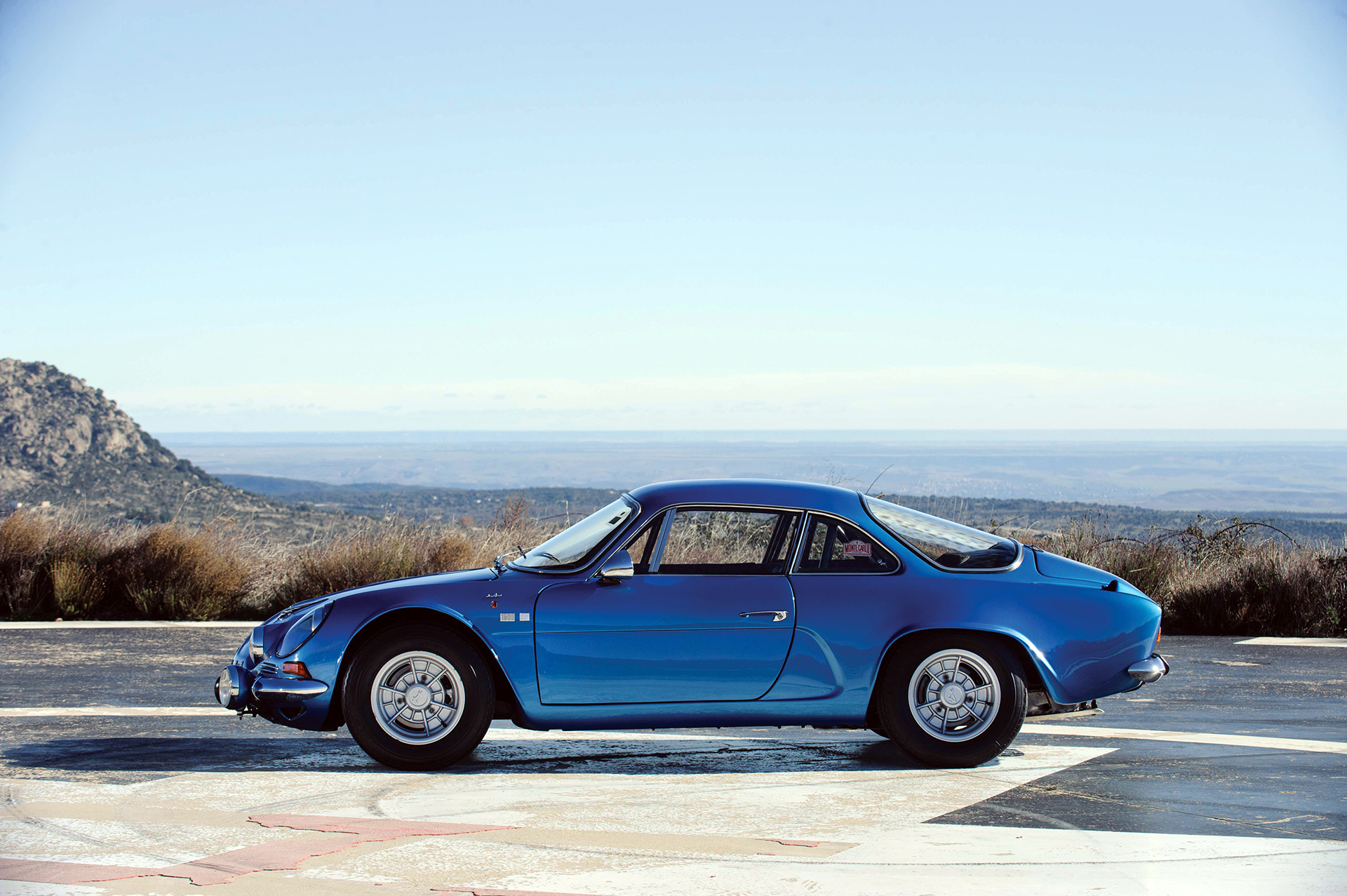 Alpine A110 1600S - profil / side-face - Photo Tom Wood 2015 Courtesy of RM Auctions