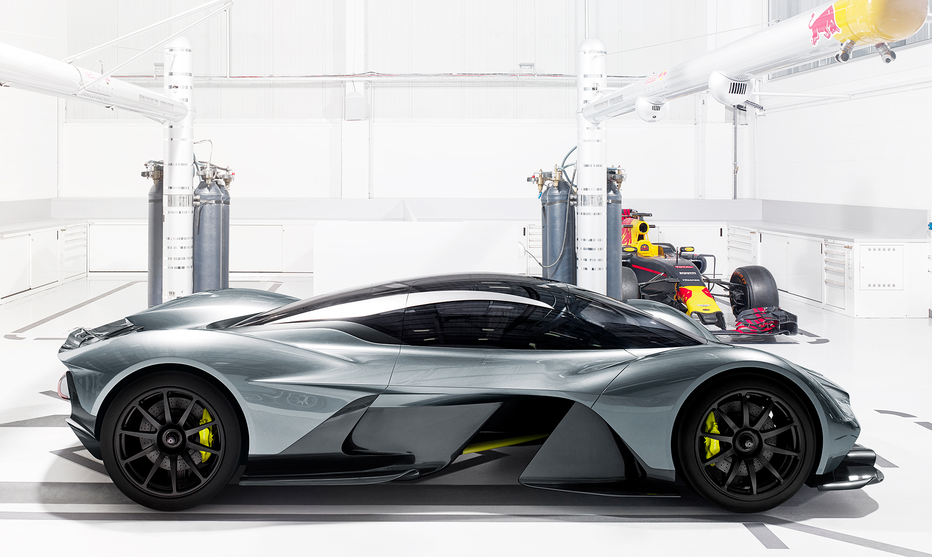 Aston Martin - Red Bull Racing - team up - AMRB001 - 2016 - side-face - F1 RB Racing