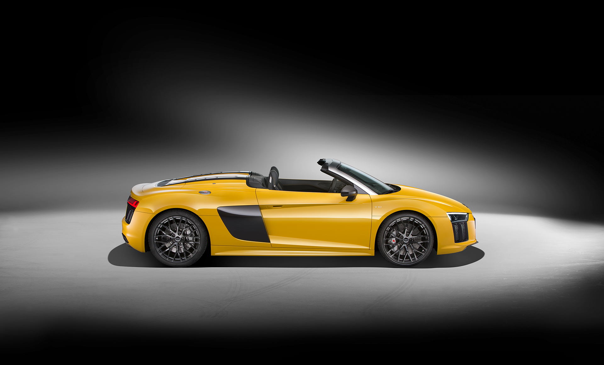 Audi R8 Spyder V10 - 2016 - side-face / profil - open top / toit ouvert