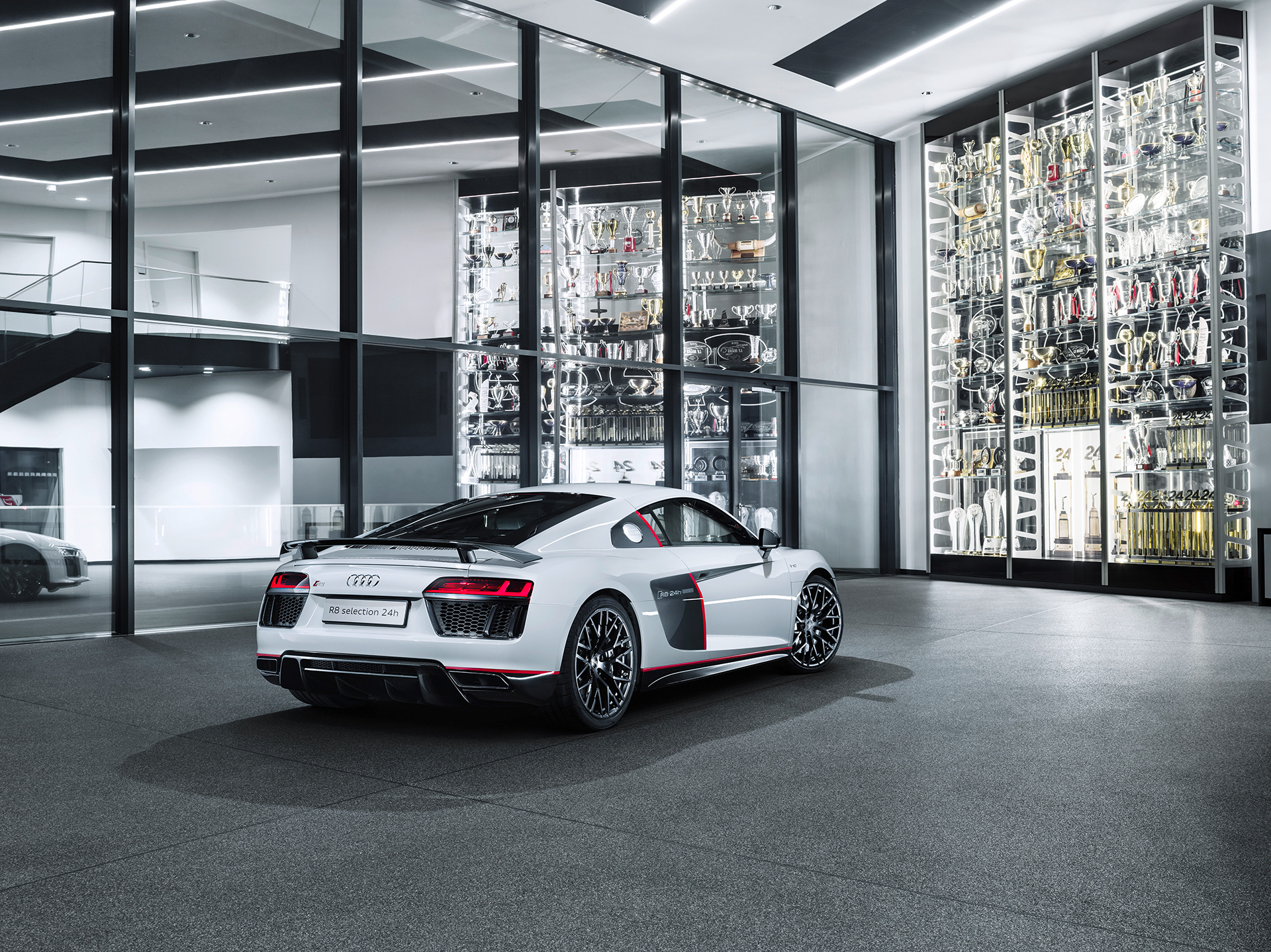 Audi R8 V10 selection 24h - 2016 - rear side-face / profil arrière