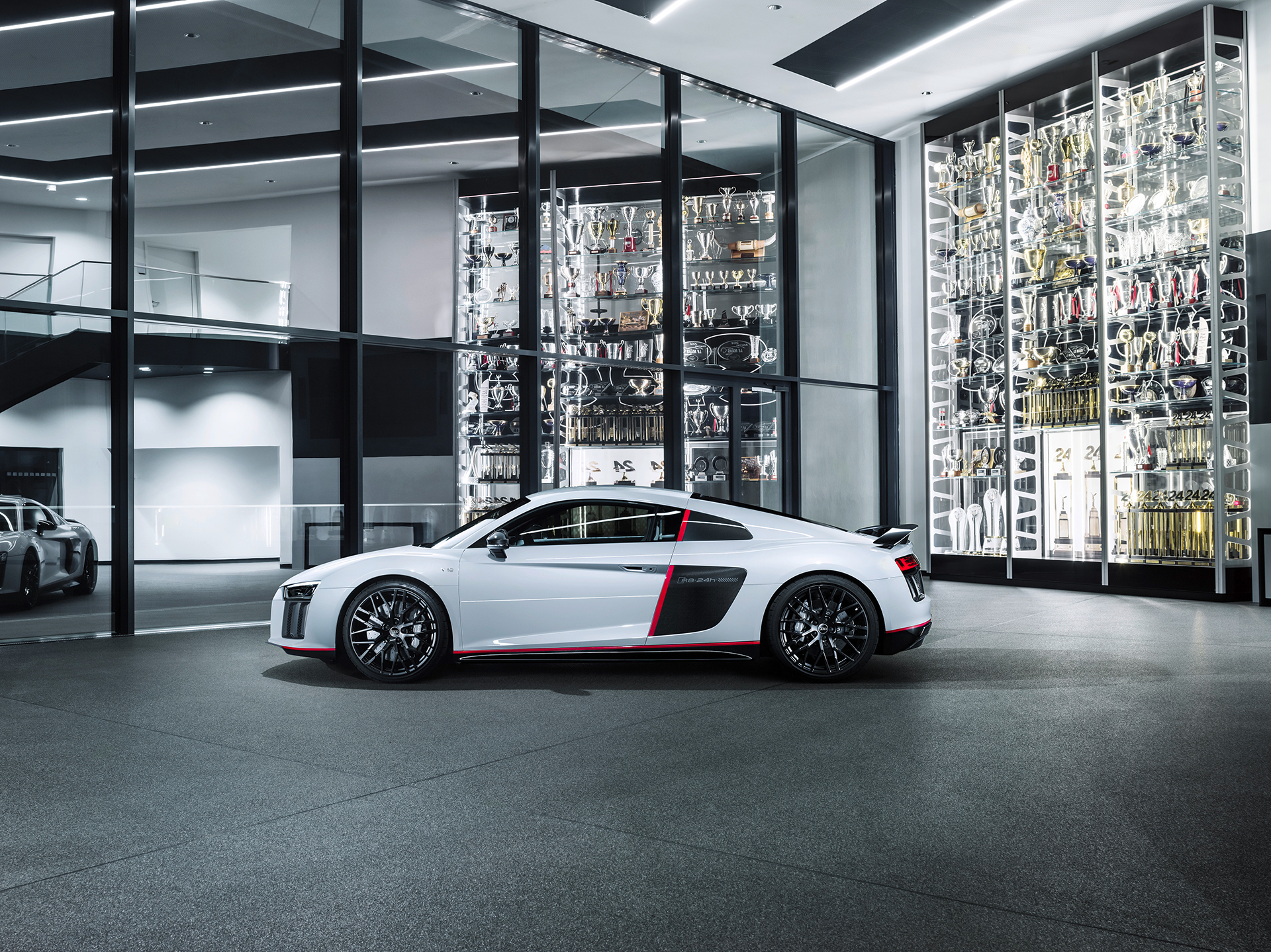 Audi R8 V10 selection 24h - 2016 - side-face / profil