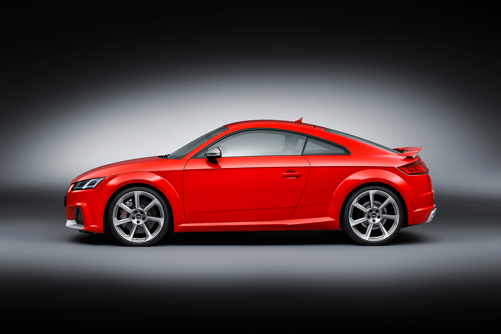 Audi TT RS coupe - 2016 - side-face / profil