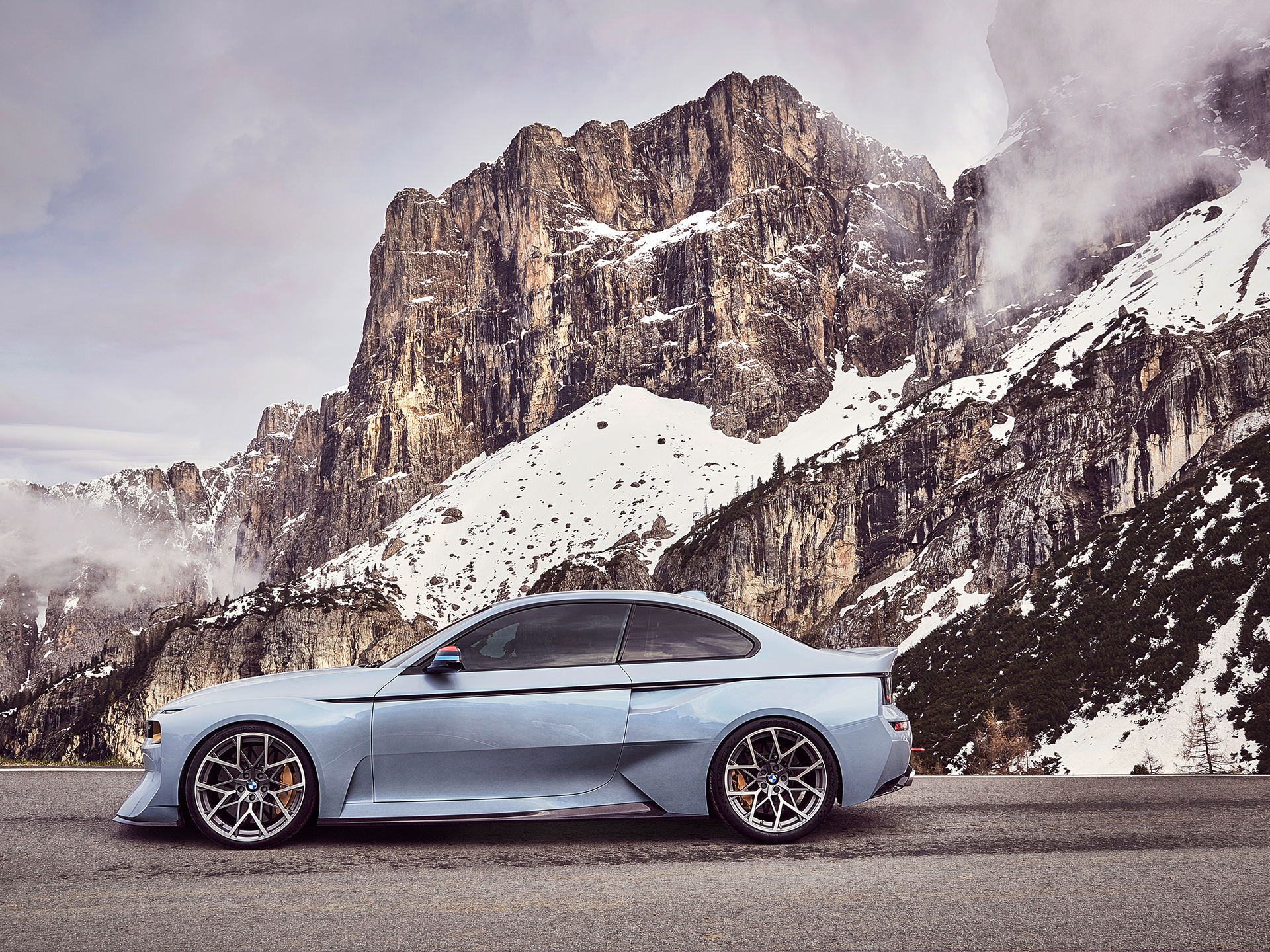BMW 2002 Hommage - 2016 - side-face / profil