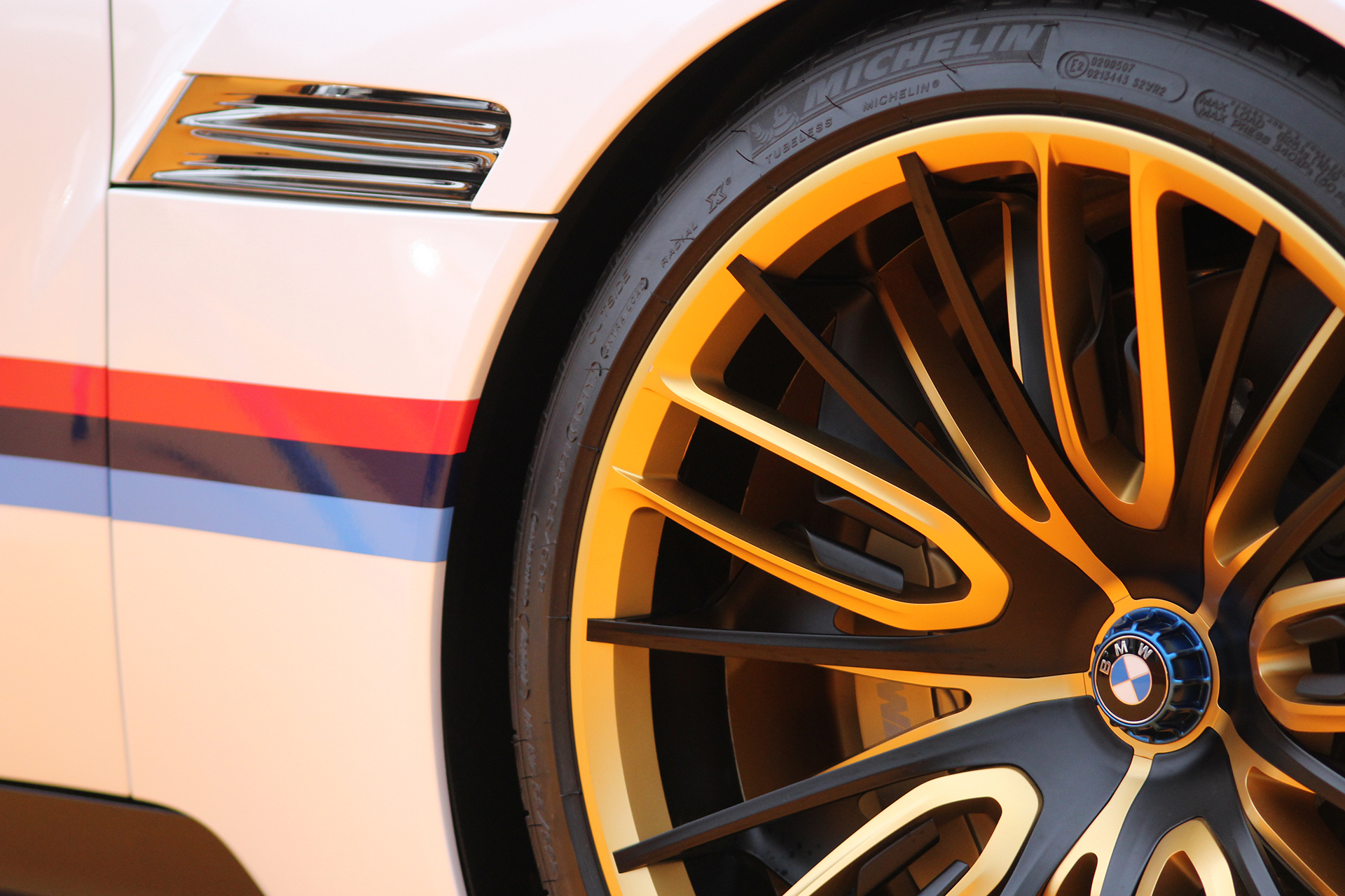 BMW 3.0 CSL Hommage - roue / wheel - Exposition Concept cars 2016 - Arnaud Demasier RS Photographie