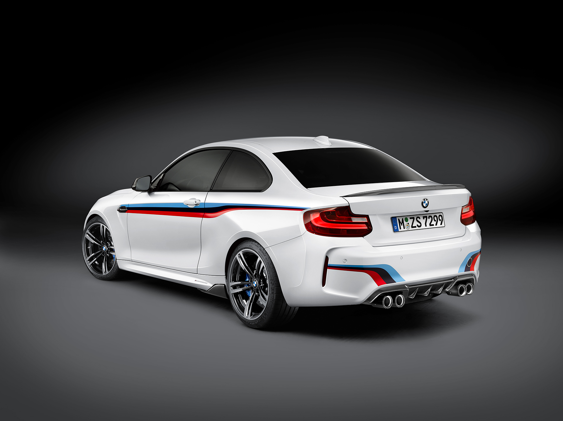 BMW M2 Coupé 2016 BMW M Performance Parts - rear side-face / profil arrière