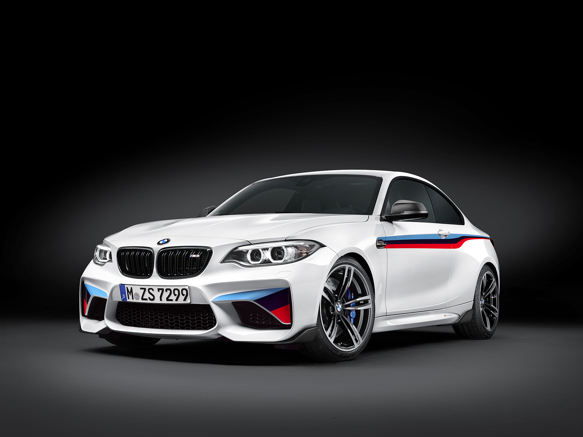 BMW M2 Coupé 2016 BMW M Performance Parts - front side-face / profil avant