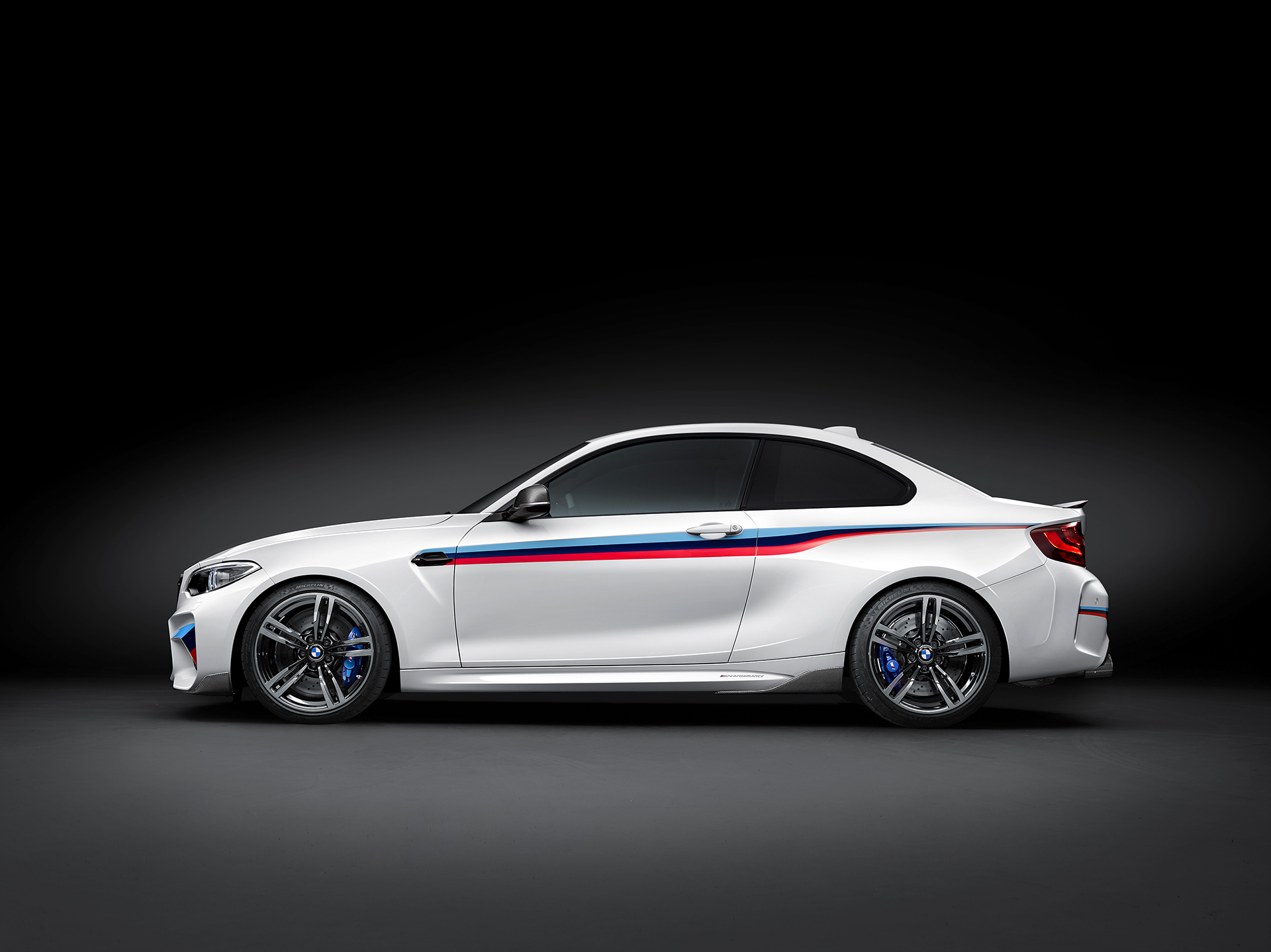 BMW M2 Coupé 2016 BMW M Performance Parts - side-face / profil
