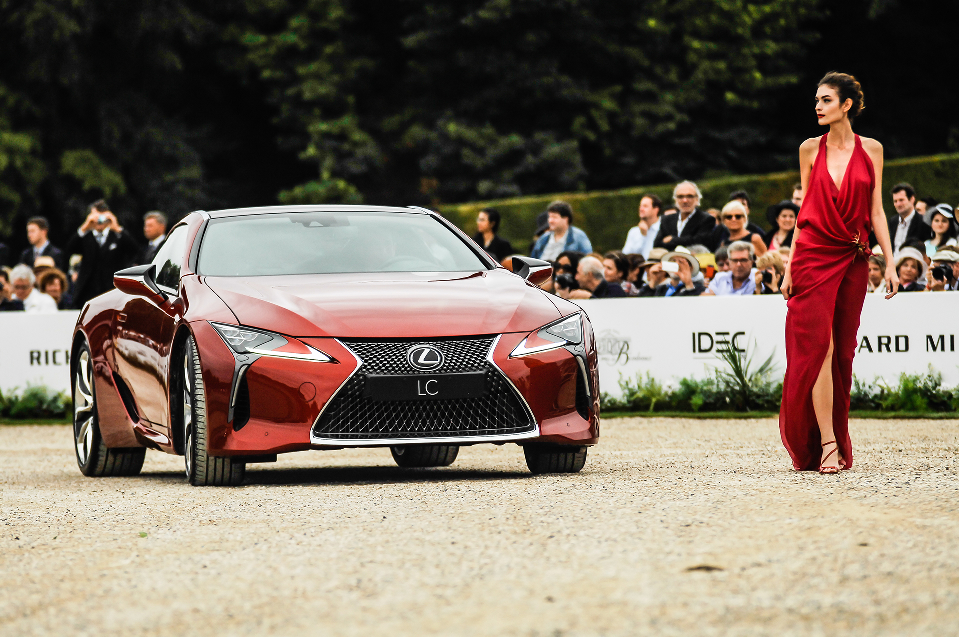 Chantilly 2016 - Lexus LC 500 - fashion Jørgen Simonsen - photo by Pierre-Yves Riom