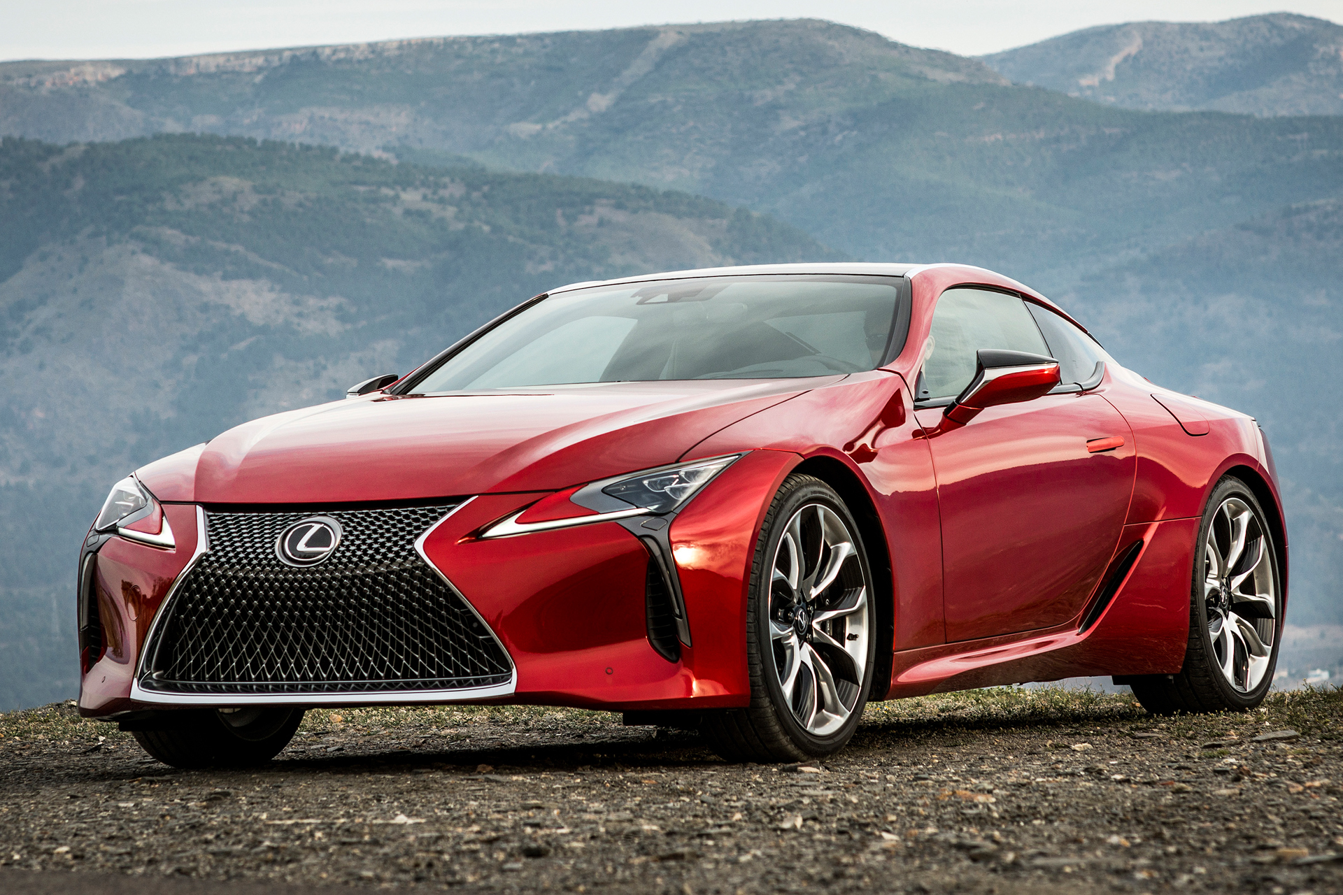 Chantilly 2016 - preview - Lexus LC-500