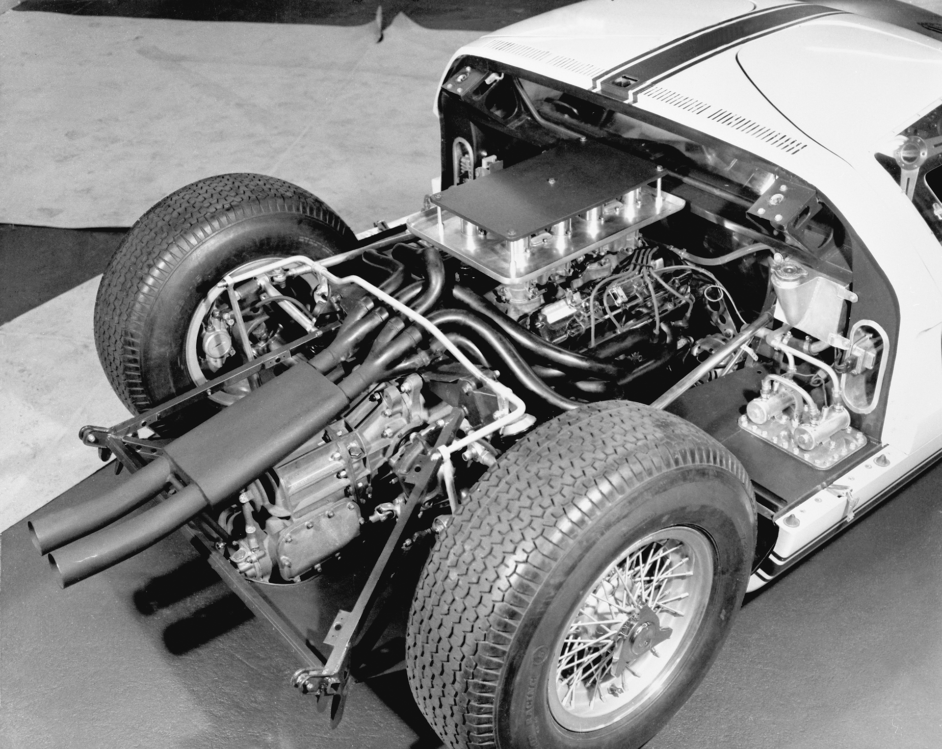 Ford GT - 1964 - rear engine