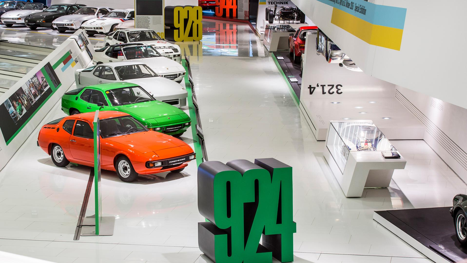 Heritage photo - Porsche Museum - 924 family