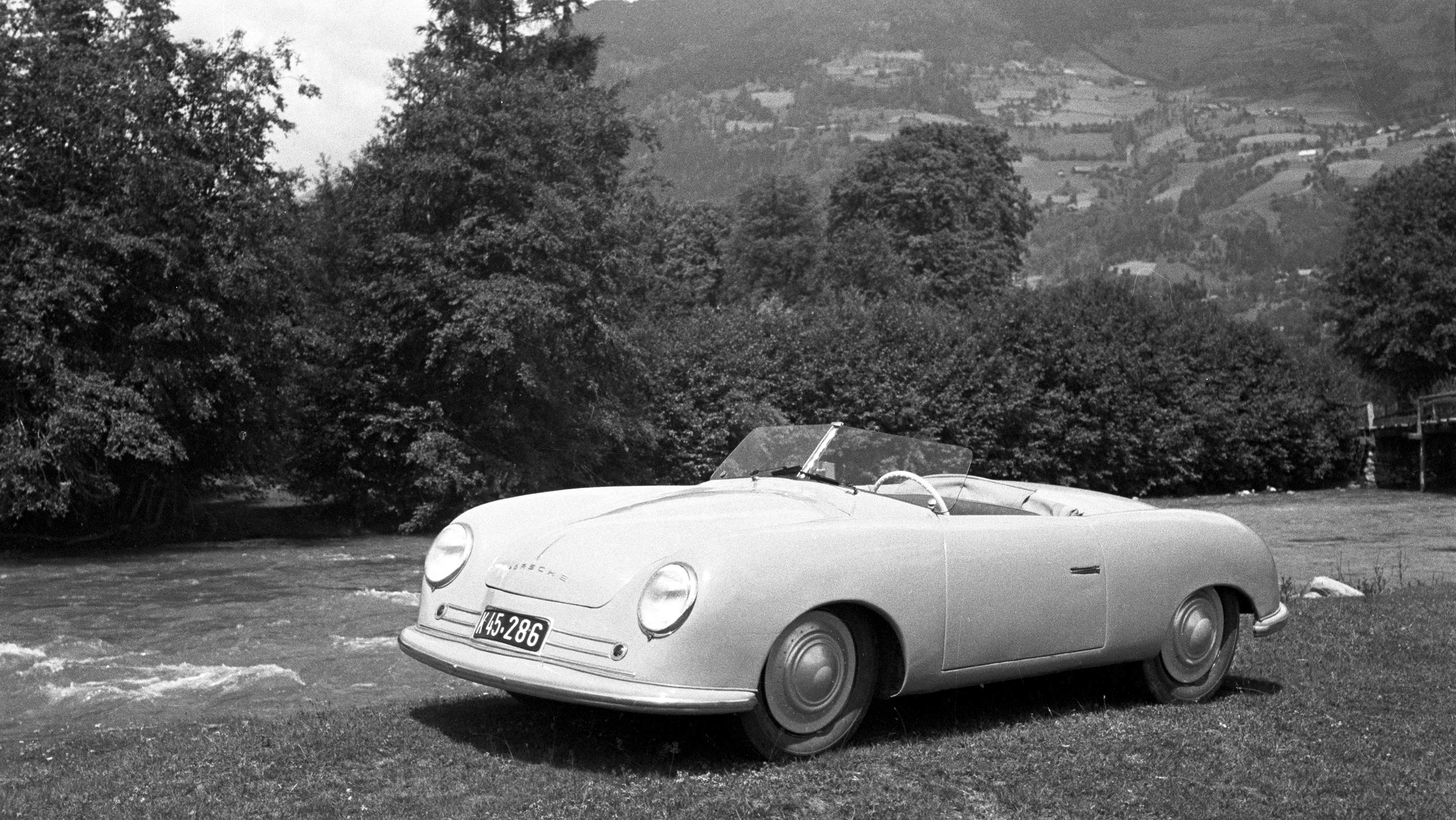 Heritage photo - Porsche Typ 356 Nr1  Roadster - 1948 - Gmund