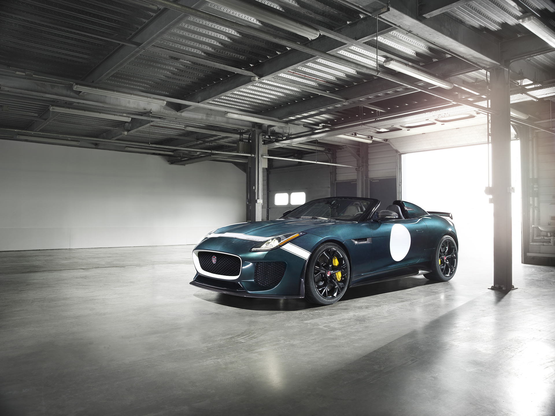 Jaguar F-TYPE Project 7 - front side-face / profil avant