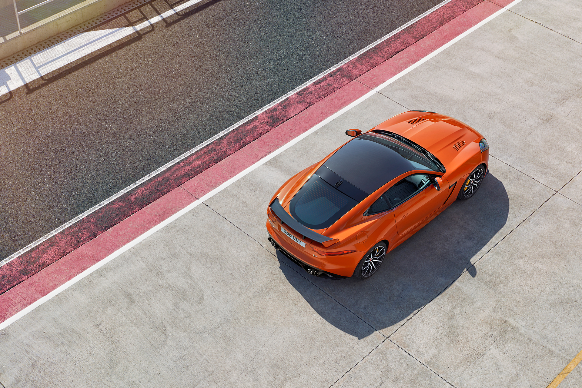 Jaguar F-TYPE SVR - 2016 - circuit / track - toit / top