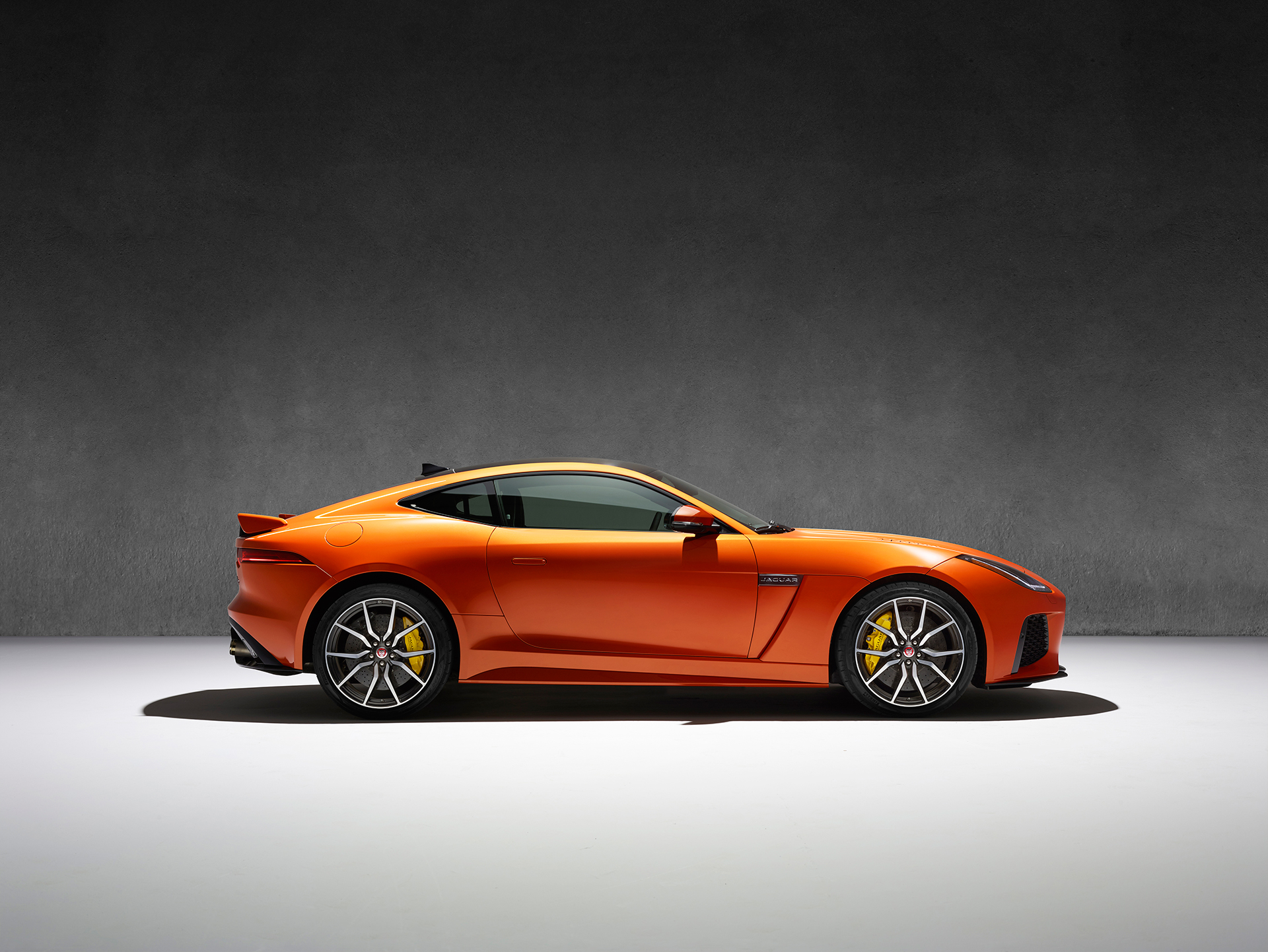 Jaguar F-TYPE SVR - 2016 - profil / side-face