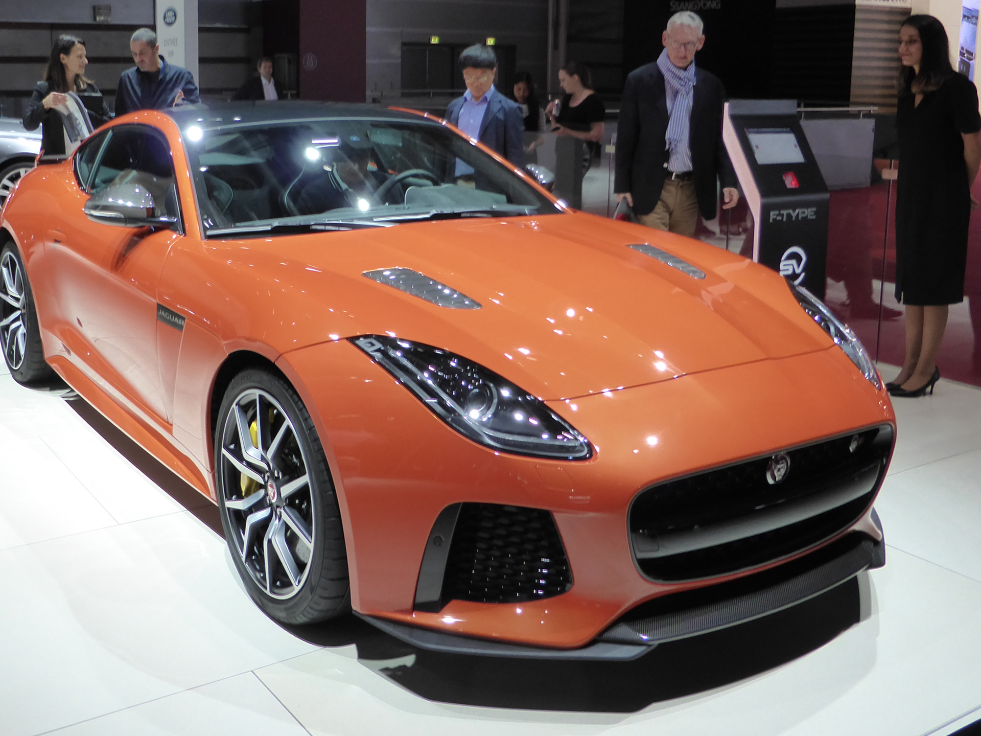 Jaguar F-TYPE - avant / front - 2016 - Mondial Auto - photo ELJ DM