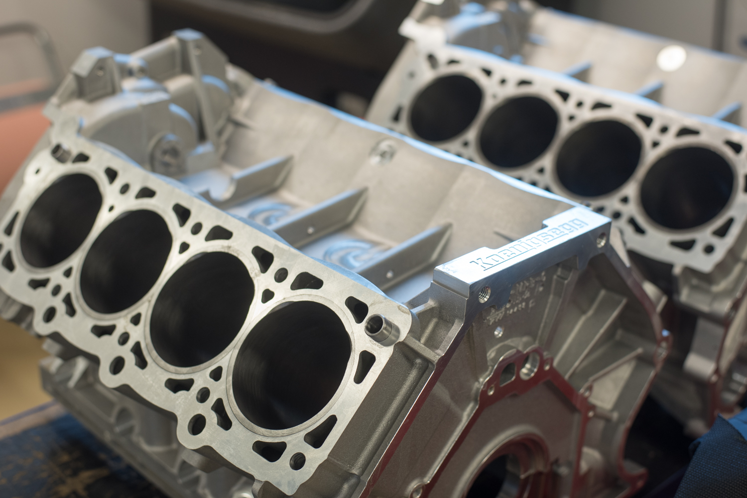 Koenigsegg engine V8 - Block