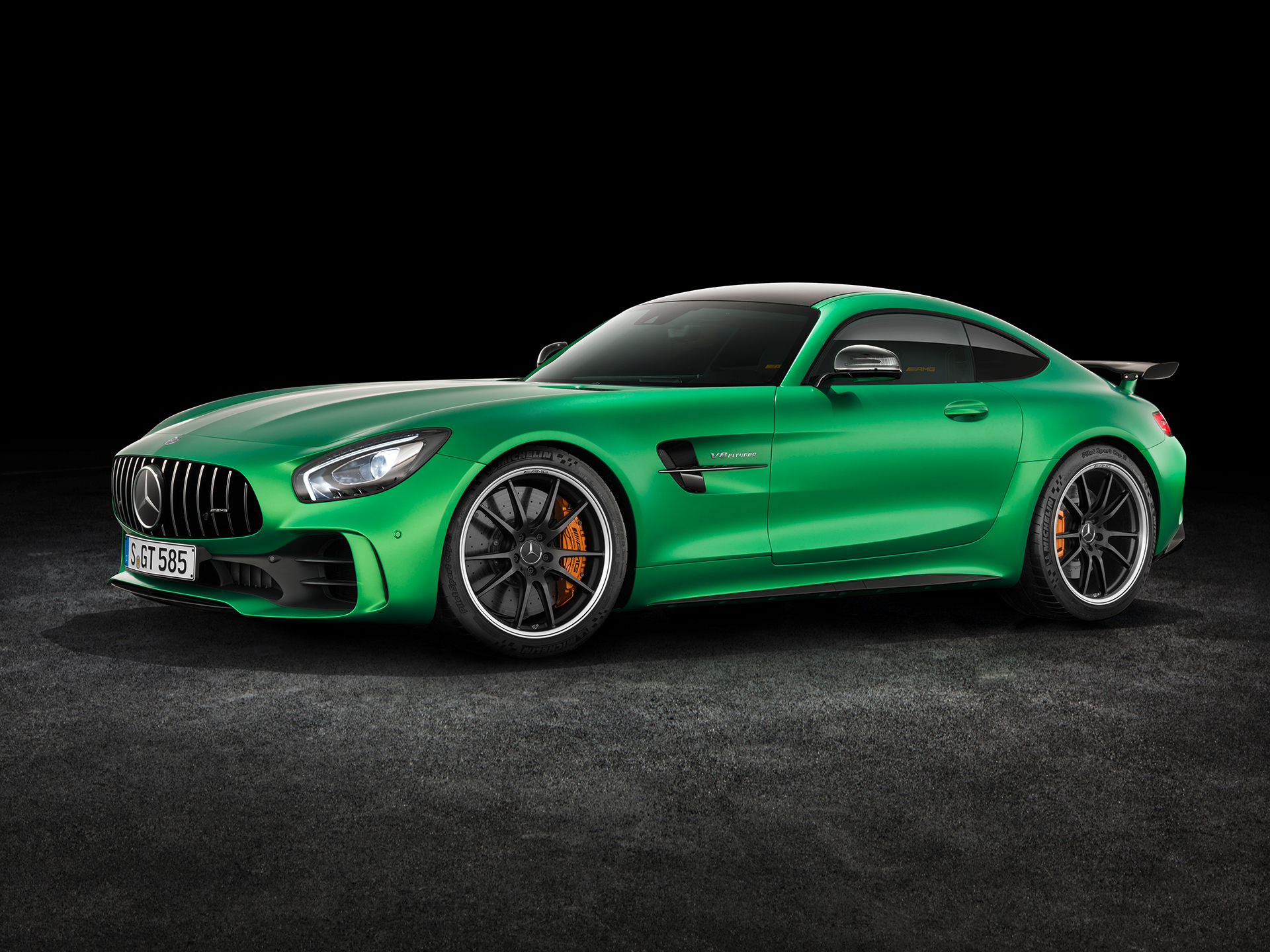 Mercedes-AMG GT R - 2016 - side-face / profil