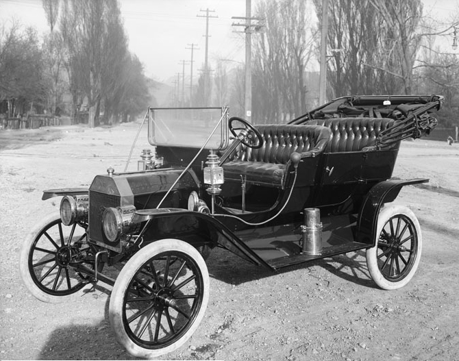 1910 Model T Ford, Salt Lake City, Utah. The photograph is for an advertisement, and taken by Harry Shipler of Shipler Commercial Photographers in 1910.