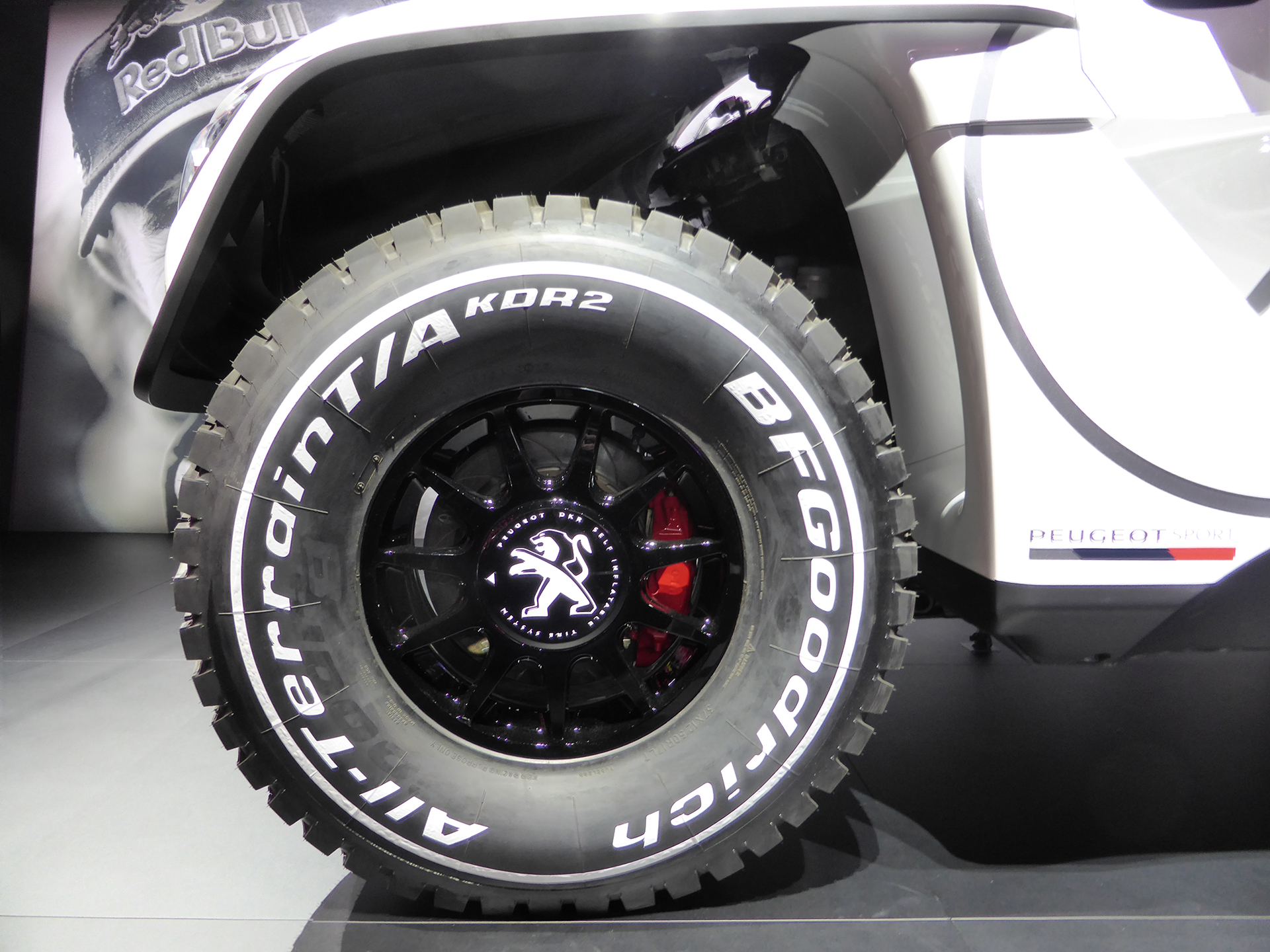 Peugeot 3008 DKR - roue / wheel - 2016 - Mondial Auto - photo ELJ DM
