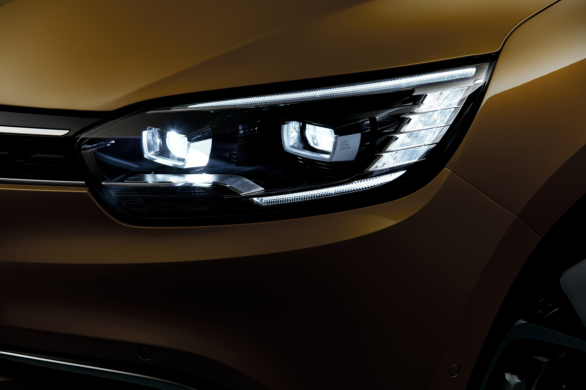 Renault Scenic - 2016 - optique avant / front light