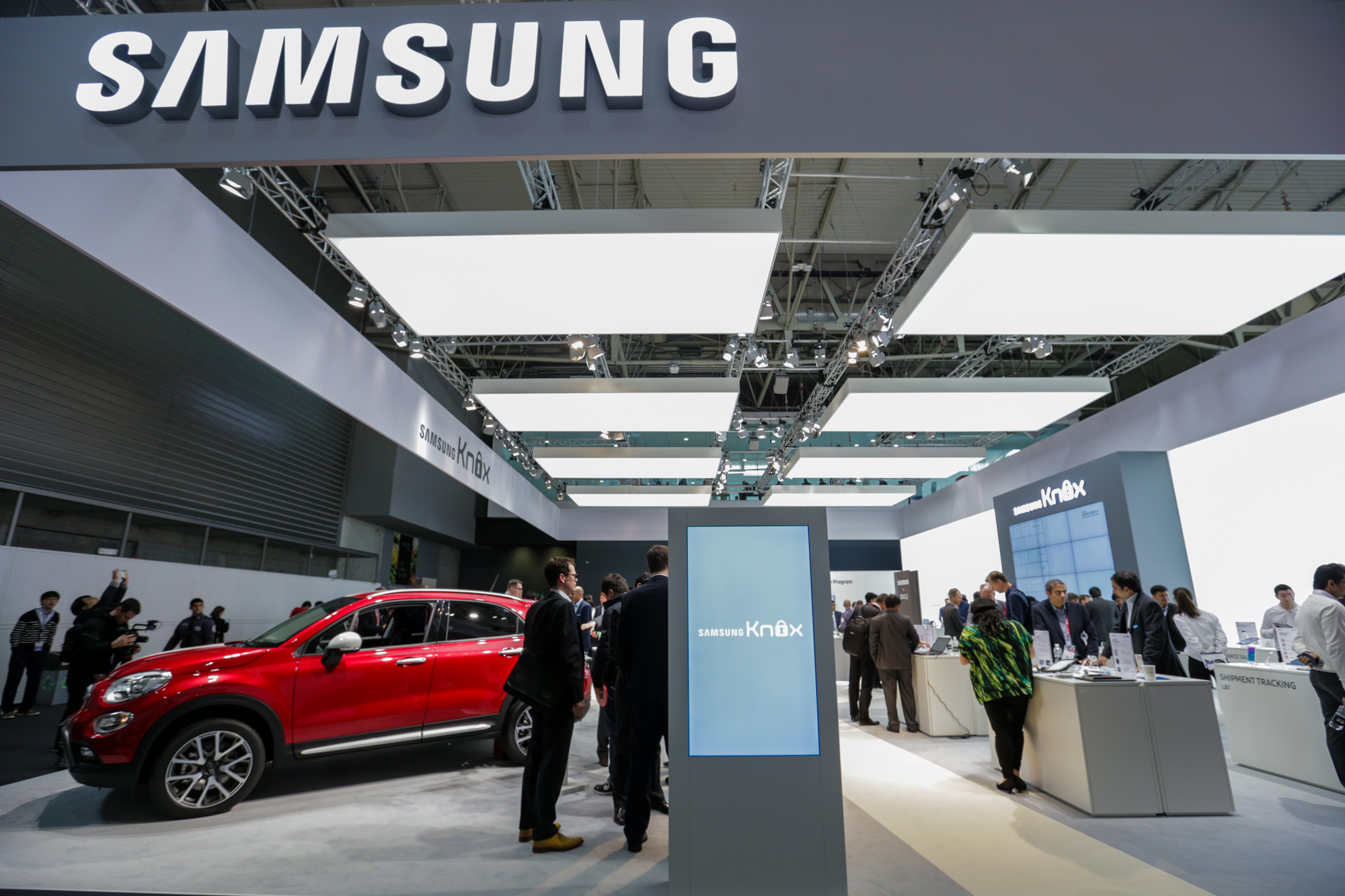 Samsung MWC16 - stand-Samsung Automotive