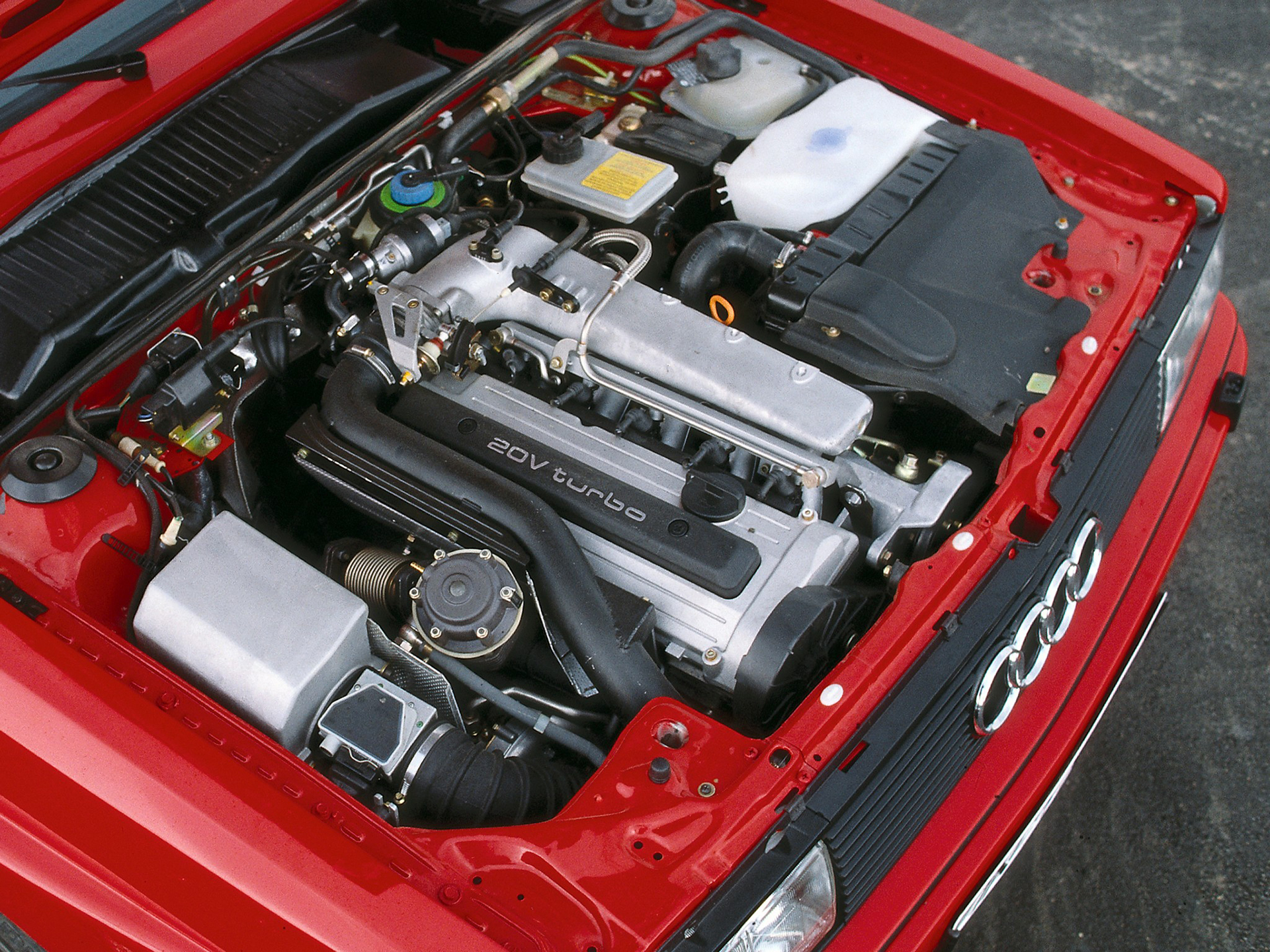 Audi quattro - under-the hood engine 20V turbo